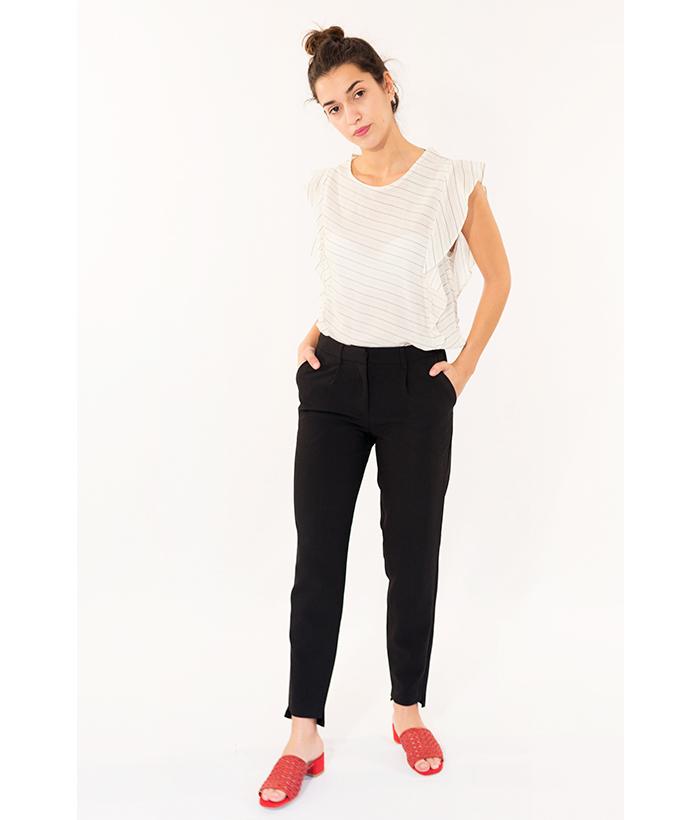 Pantalón negro con pinzas marca ICHI