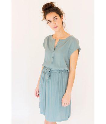 Elegante vestido verde con botones y cintura ajustable