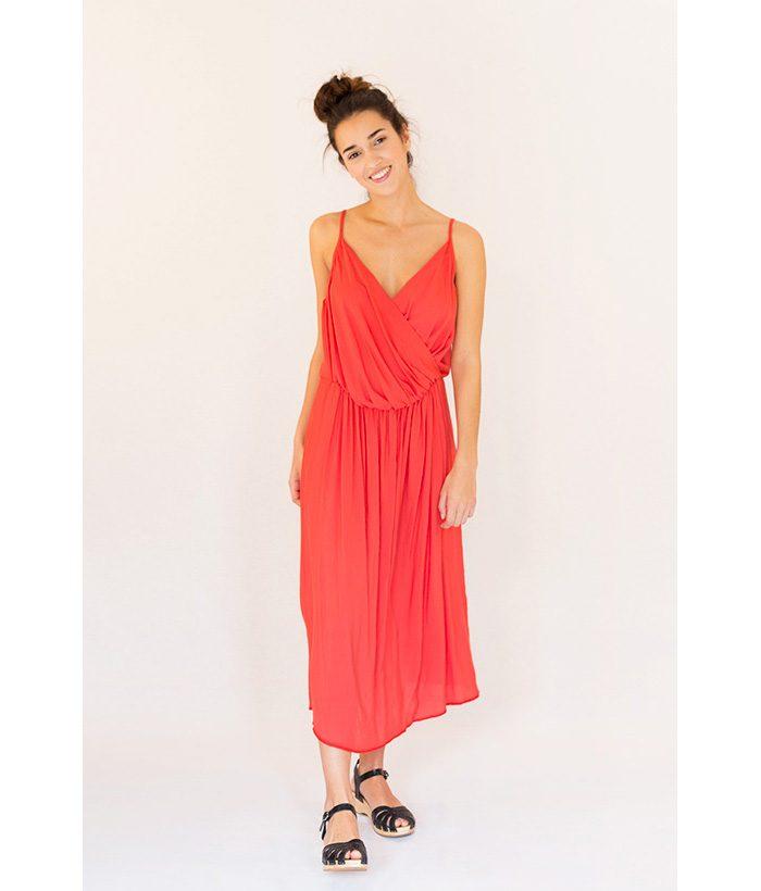 Vestido coral de tirantes de la marca Ropa Chica