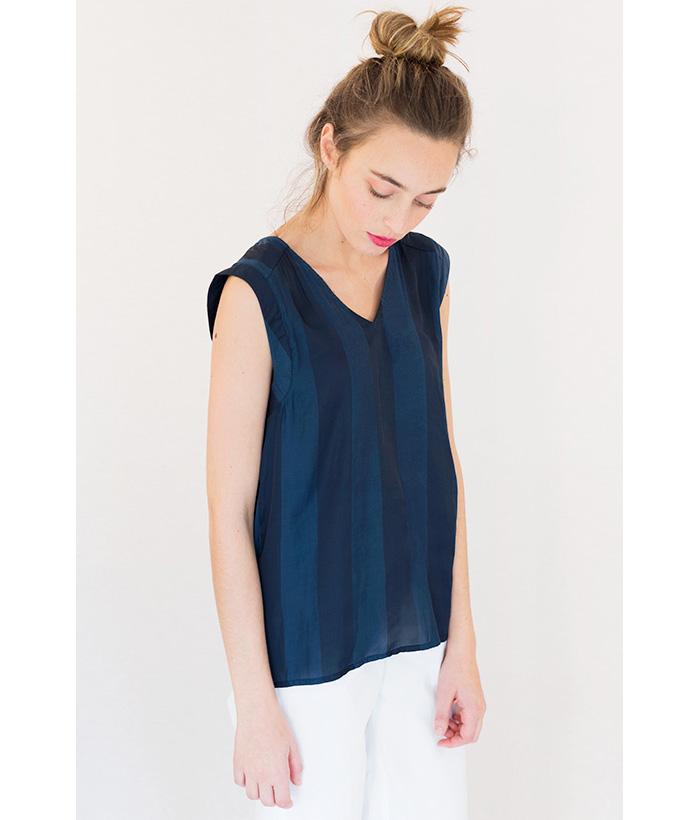 Blusa azul a rayas Marca ICHI