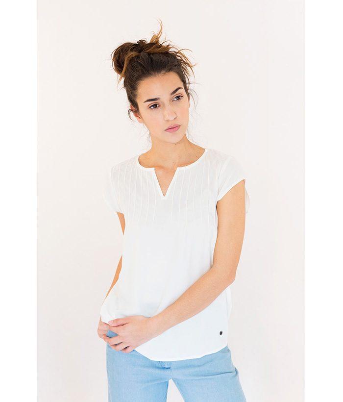Blusa con cuello redondo marca NÜMPH. Moda Primavera Verano 2018 LAMOI