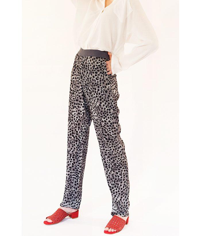 Pantalón animal print marca yaya