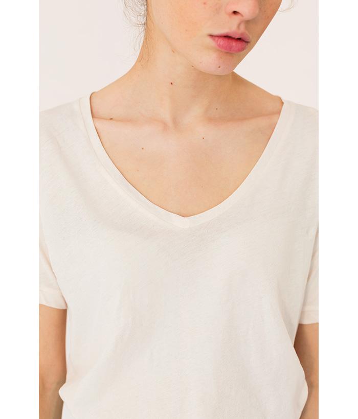 Camiseta básica cuello pico de YAYA