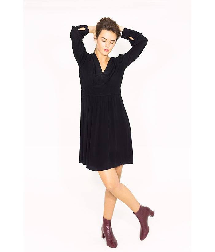 Vestido negro cuello uve – Sud Express – MODA otoño invierno en LAMOI