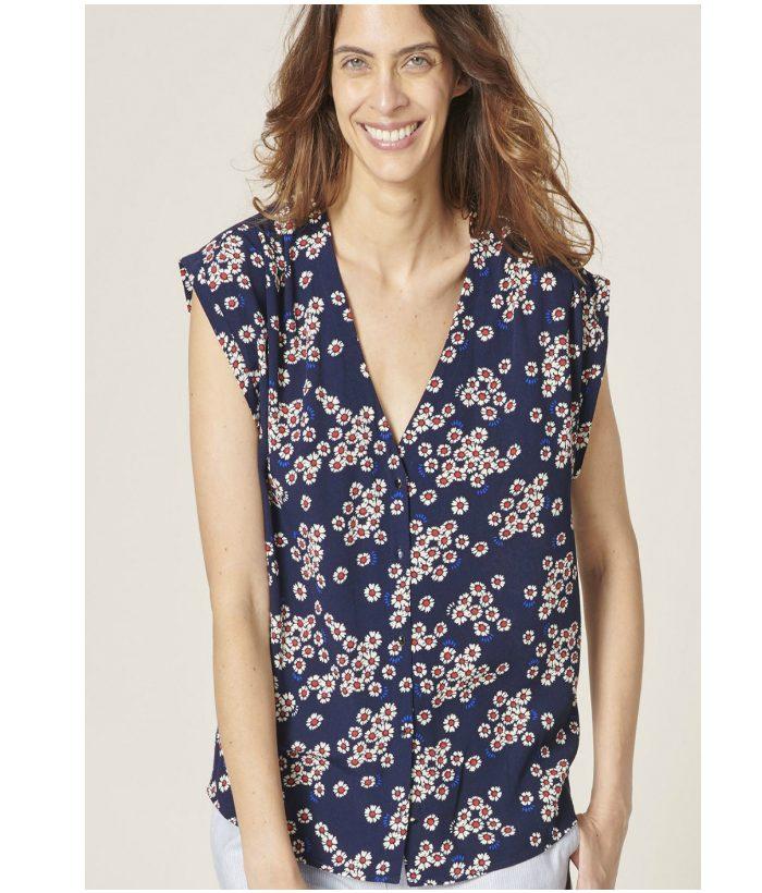 Delicada blusa de flores