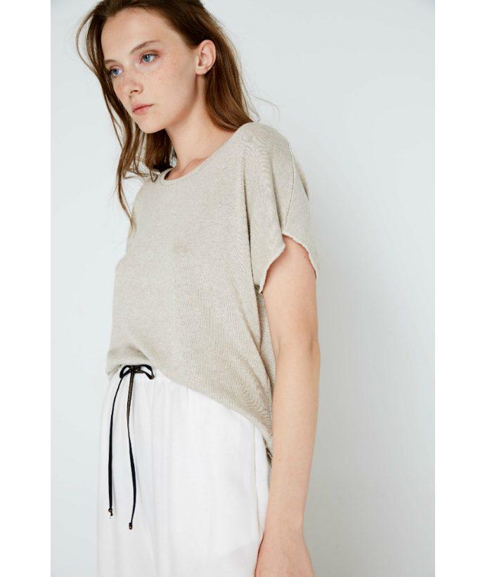 camiseta_beige_ropa_chica