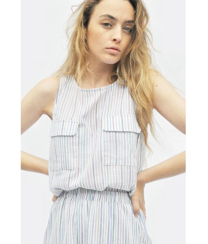 blusa sin mangas con bolsillos delanteros