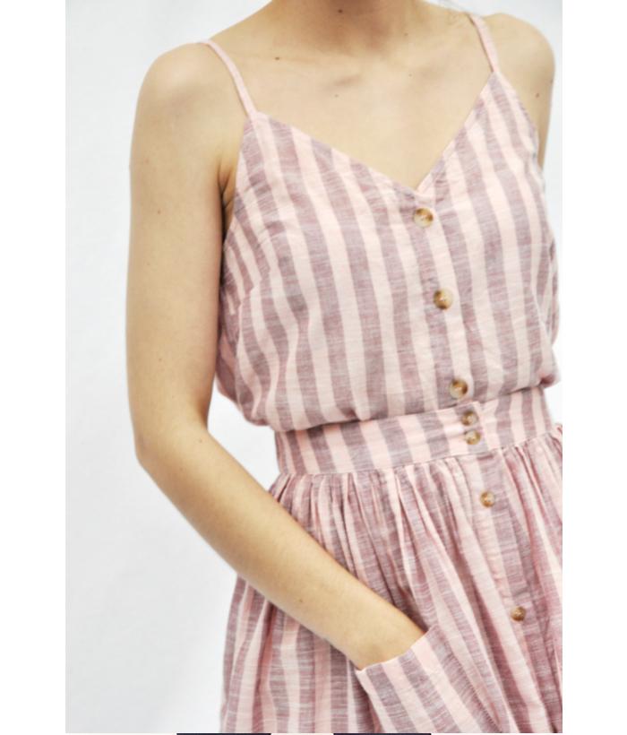 blusa de rayas rosa con tirantes finos