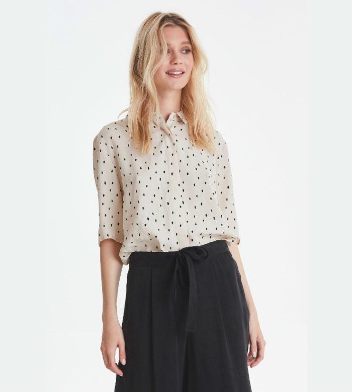 blusa cruda con motas