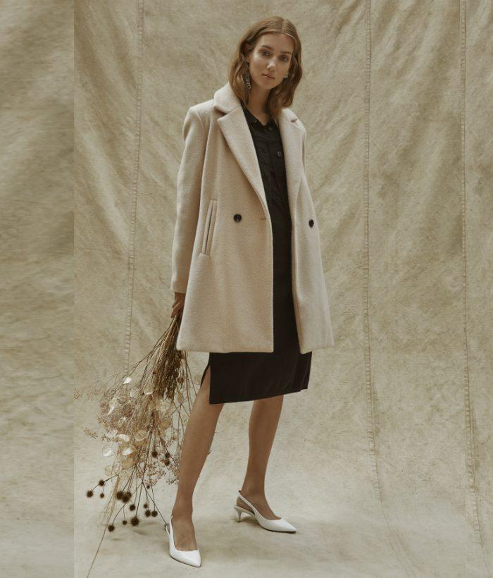 abrigo crudo de mujer
