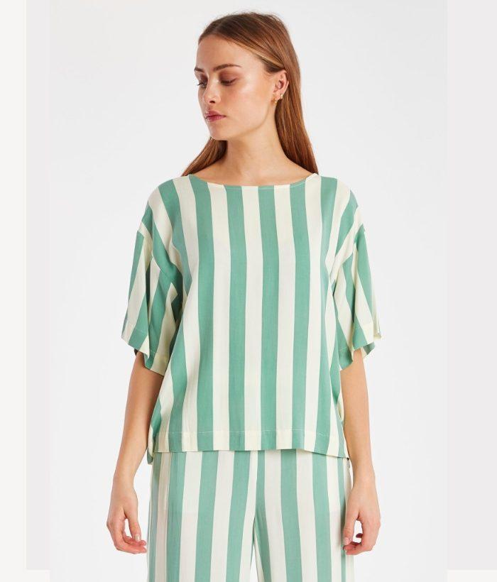 camisa de rayas blancas y verdes