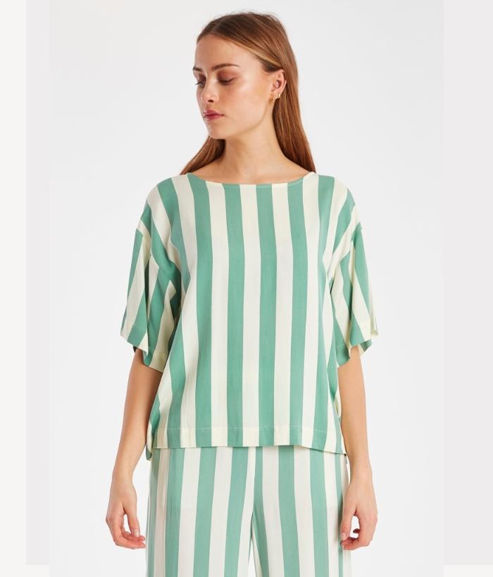 Blusa manga corta de rayas verde y blanca