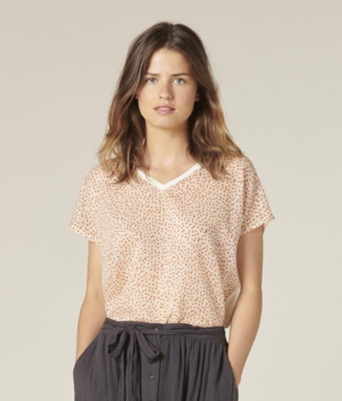 camiseta manga corta flores y de pico