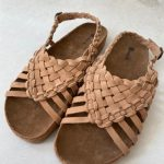 sandalia marrón claro de piel