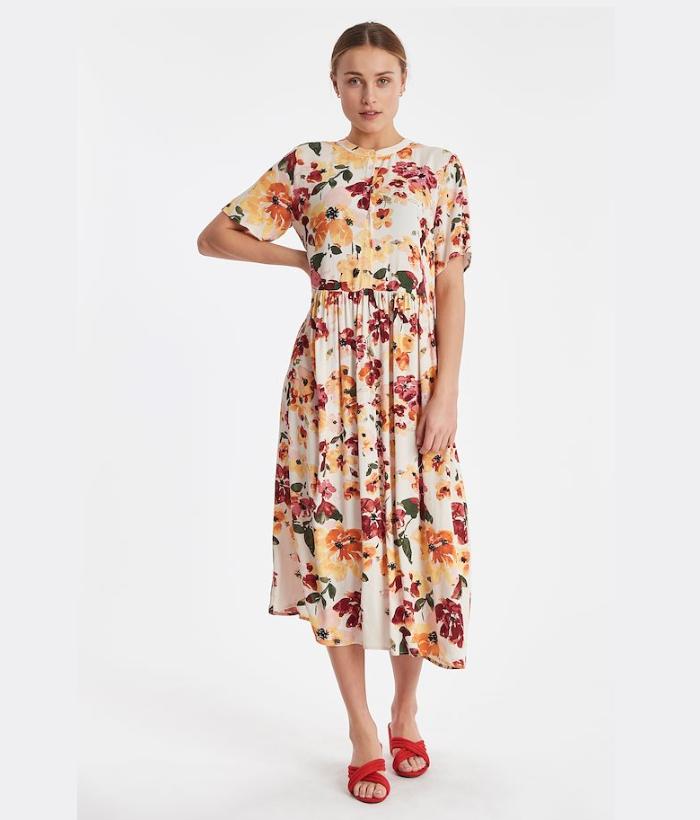 Vestido largo de flores con colores de verano