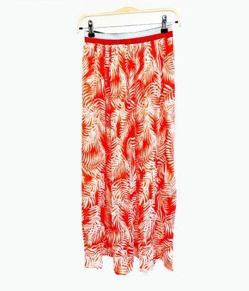 falda larga roja con goma en cintura