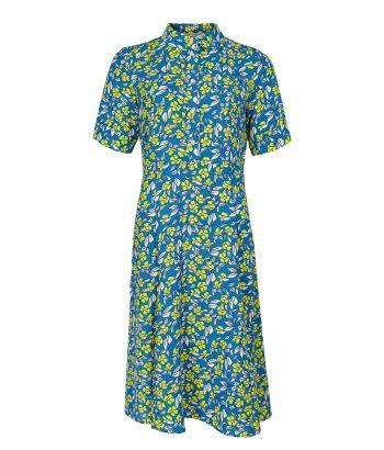 vestido azul de flores estampadas