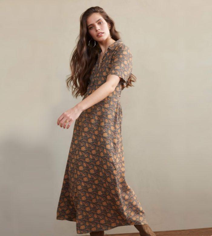 Vestido largo con estampado de flores color arena de YAYA