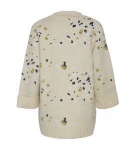 chaqueta de punto cruda con pintas