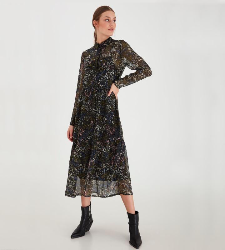 Vestido midi con fondo negro y estampado de flores de ICHI