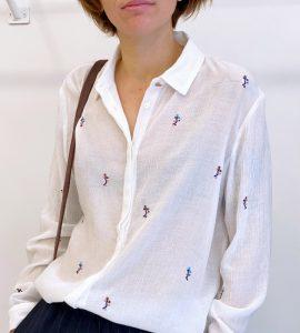 blusa blanca con bordados de Nümph