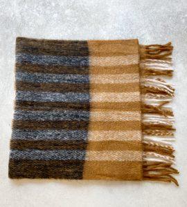 Bufanda de cuadros y rayas en tonos tierra de ICHI