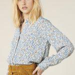 Blusa de hojas color azul y camel de Harris Wilson