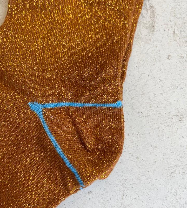 calcetines con brillo de la marca NÜMPH