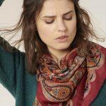 Pañuelo de seda con estampado cachemir