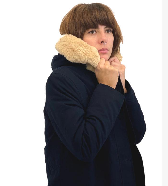 Parka azul con borrego y pelo en capucha de Harris Wilson