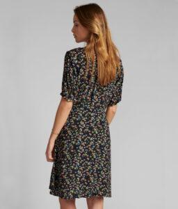 vestido corto de flores manga corta