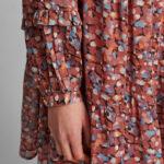 vestido rosa corto con vuelo de Nümph