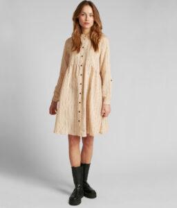 vestido corto crudo de rayas