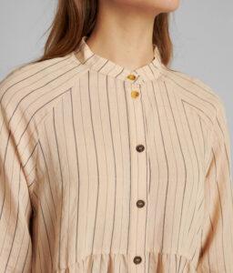 vestido corto crudo de rayas de Nümph
