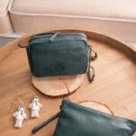 bolso bandolera de piel verde