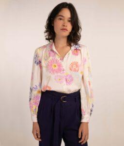 Blusa rosa con estampado de flores de Frnch