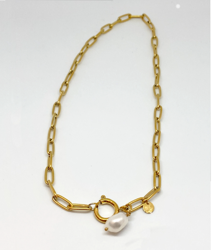 Collar dorad de eslabones con piedra de perla