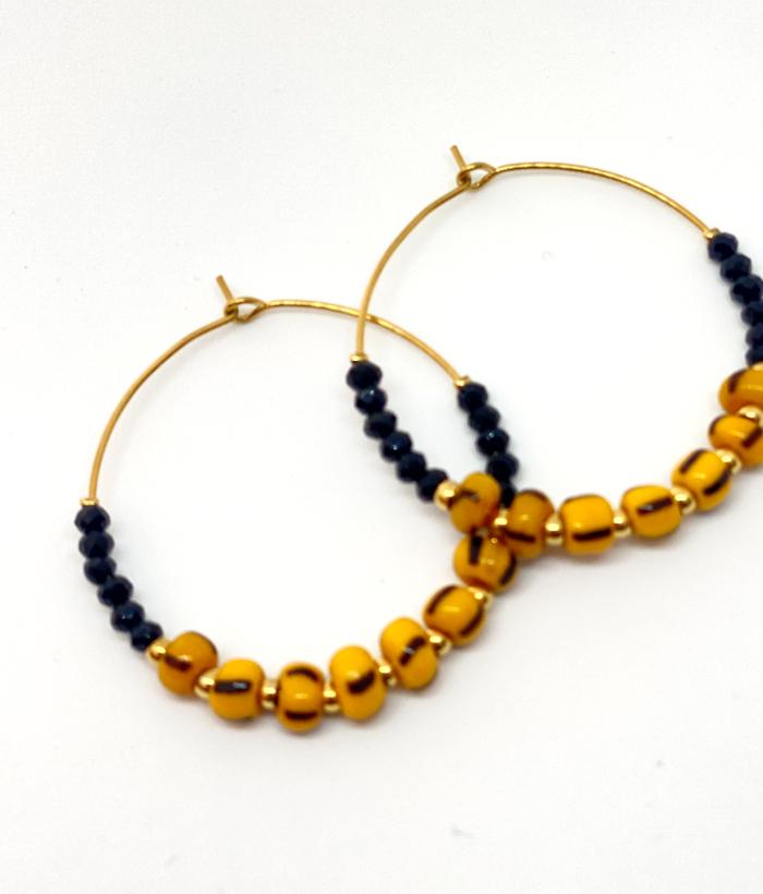 Pendientes de aro con piedras negras y amarillas